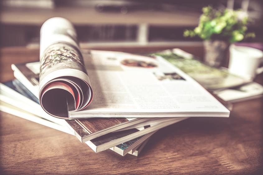 Wycena druku książek zależy od wielu elementów, które trzeba sprawdzić w analizie całościowych kosztów.