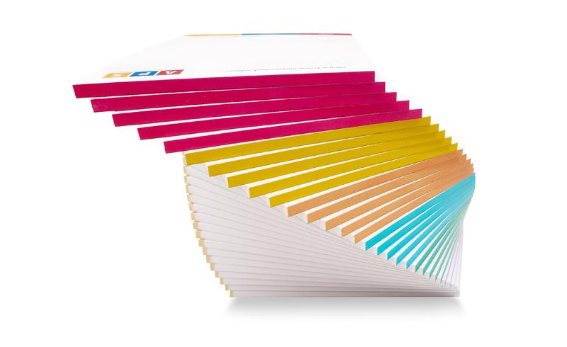Dodaj kolor – notesy z barwionym grzbietem